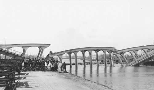 """The Hasselt bridge. Waarom de kanaalbrug instortte in 1938"""